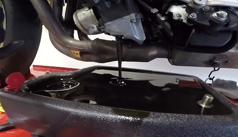 Yamaha R6 RJ11 RJ15 Ölwechsel