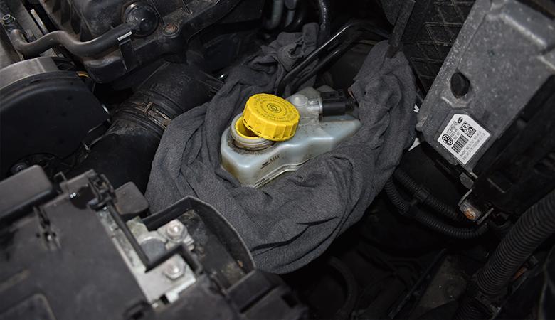 bremsbeläge und bremsscheibe hinten wechseln - seat ibiza 6j 6p