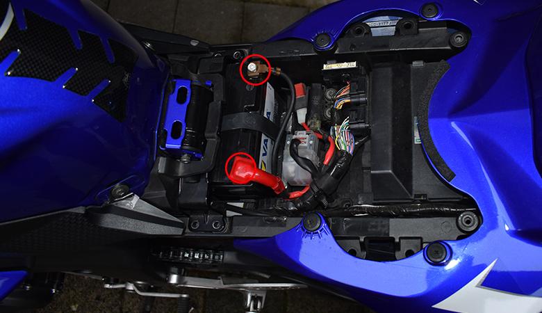 Yamaha R6 RJ11 RJ15 Pluspol und Minuspol