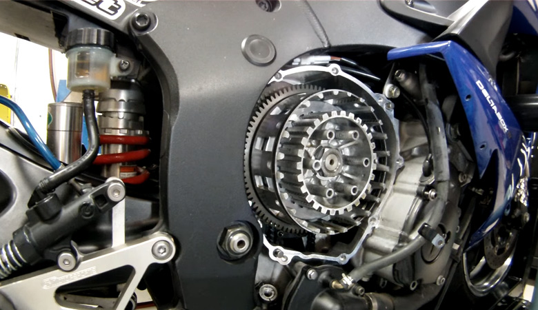 Yamaha R6 02-05 RJ05 RJ09 Kupplungskorb geöffnet