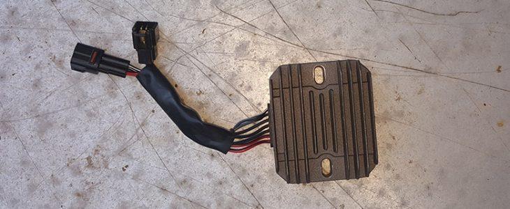 Spannungsregler, Gleichrichter wechseln  – Suzuki GSX-R 600 K6 K7
