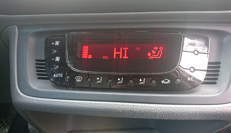 Seat Ibiza 6J Klimaanlage HI und alle Düsen angeschaltet