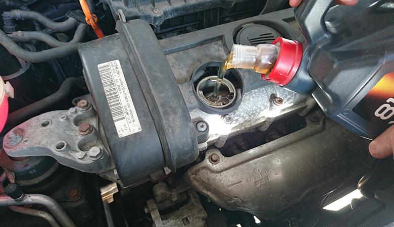 Seat Ibiza 6J Motoröl einfüllen nach Ölwechsel