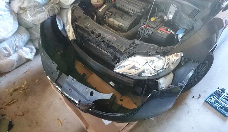 Seat Ibiza 6J Stoßstange abgebaut