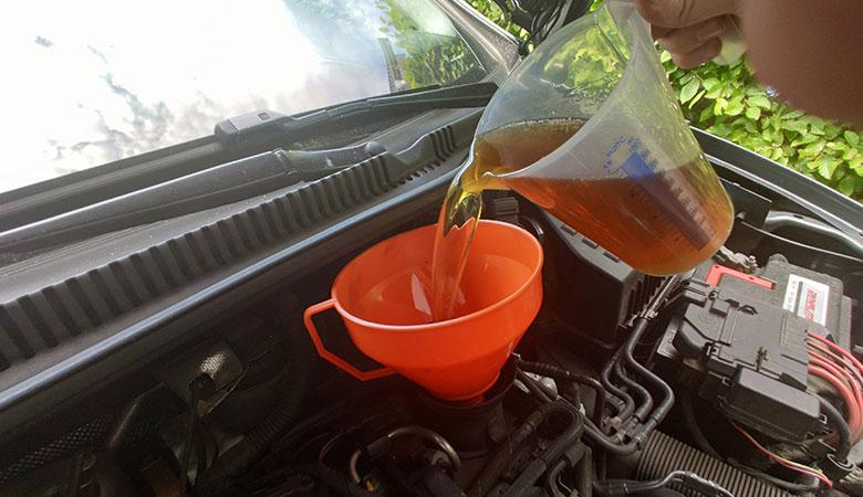 Seat Ibiza 6J 1.6 TDI Öl einfüllen