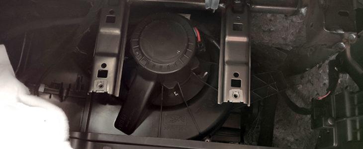 Gebläse Motor ausbauen & tauschen Innenraum – Seat Ibiza 6J 6P