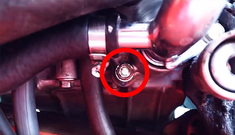 Honda CBR 600RR Kühlflüssigkeit Ablassschraube Wasserpumpe