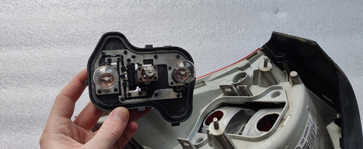 Bremslicht wechseln – VW Golf 5