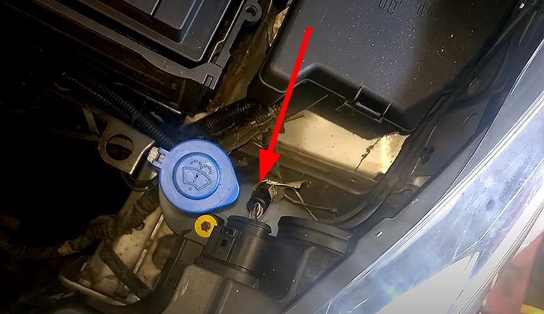 Ford Fiesta MK7 Scheinwerfer Stecker