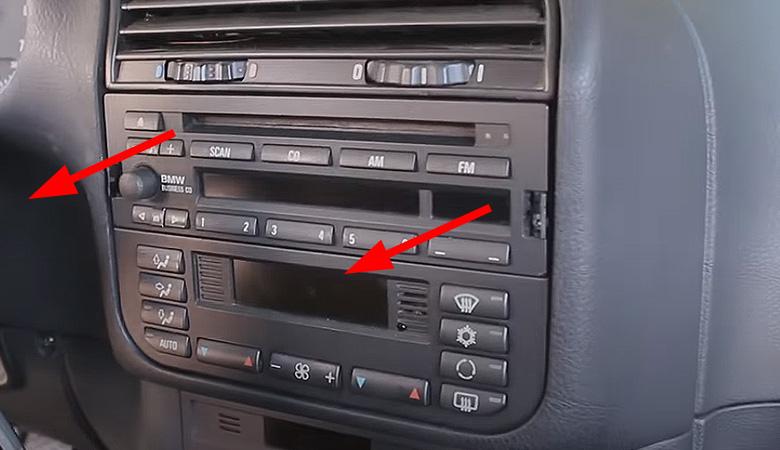 BMW 3er E36 Radio ausbauen